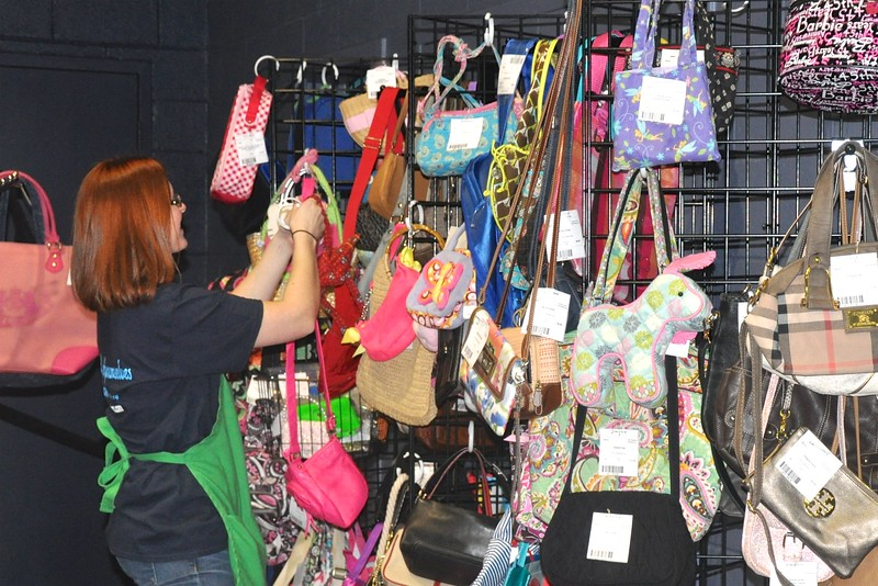 Pocketbooks and Bags with Lindsay Crowe