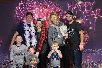 Great Wolf Lodge New Years Eve December 31, 2018 group 3