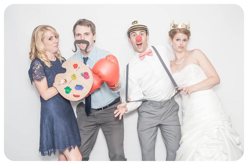 Laura+Ross-Wedding-Photobooth-091.jpg