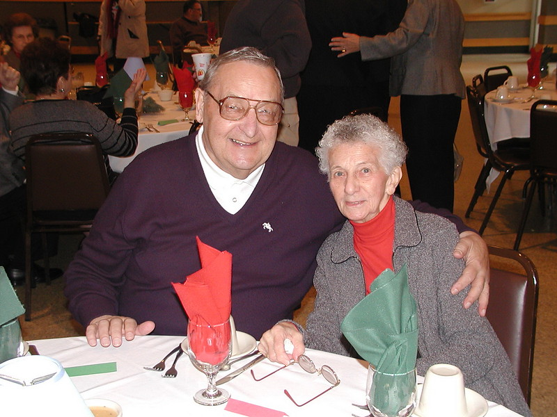2002-12-12-Philoptochos-Senior-Citizens-Luncheon_003.jpg
