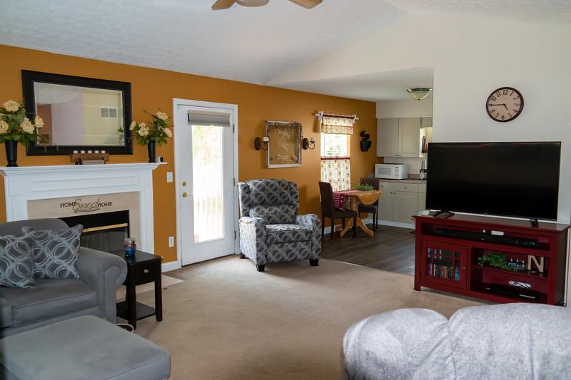 living room (6).jpg