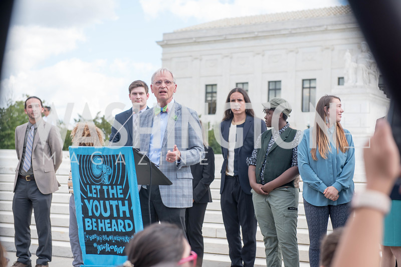 Congressman Earl Blumenauer, Activists and Members of Congress gather at the Supreme Court, with Plaintiffs from Juliana v. United States, as part of the Global Climate Strike.  September 18, 2019.  Photo by Ben Droz