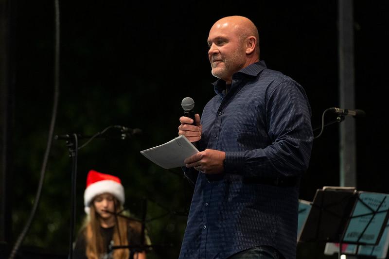 Christmas Tree Lighting_2019_024.jpg