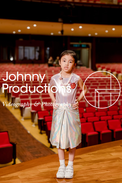 0088_day 1_orange & green shield portraits_red show 2019_johnnyproductions.jpg