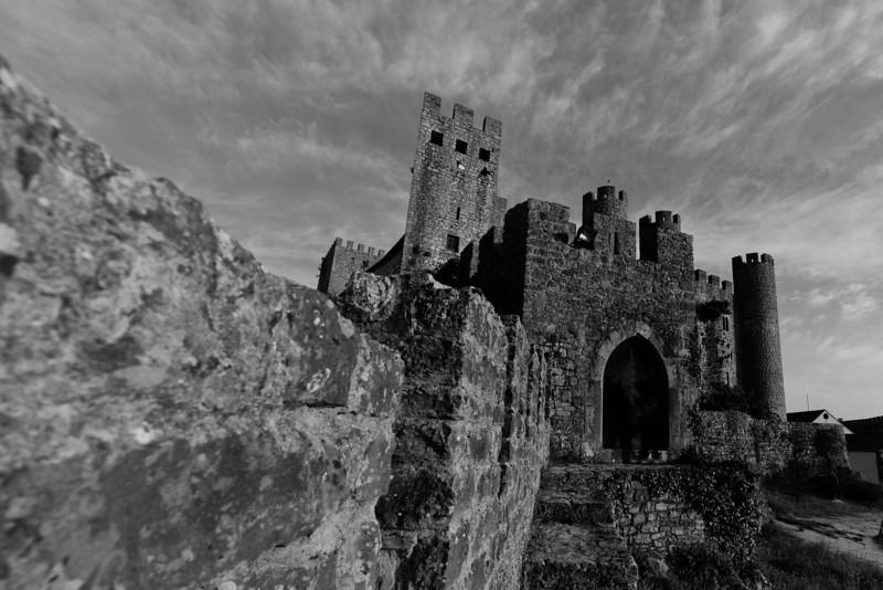 Castello Obidos Portugal.jpg