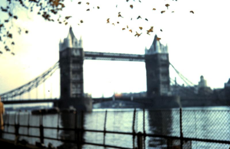 1959-11-1 (7) Tower Bridge, London.JPG