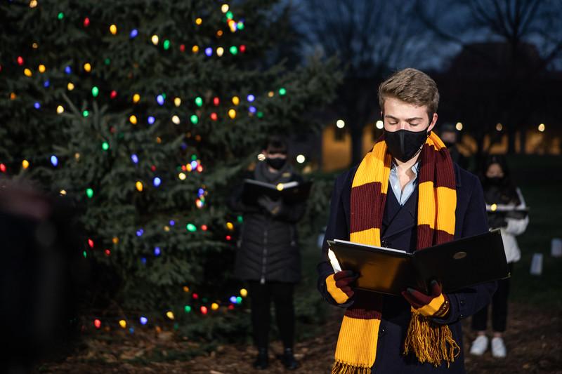 AVS_ChristmasTreeLighting-49.jpg