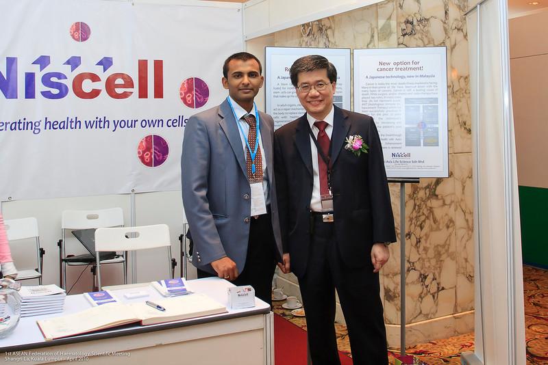Mr Baskar Subramani and Dr Ng - Niscell