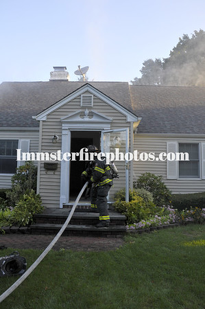 SYOSSET FD house fire Walker Ave 9-14-10
