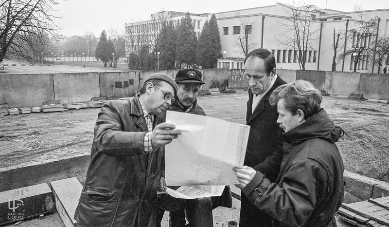 Edmundas Ganusauskas (antras iš dešinės)