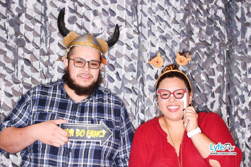 red-hawk-2017-holiday-party-beltsville-maryland-sheraton-photo-booth-0070.jpg