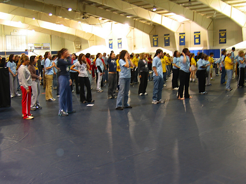 dancers stretching2.JPG