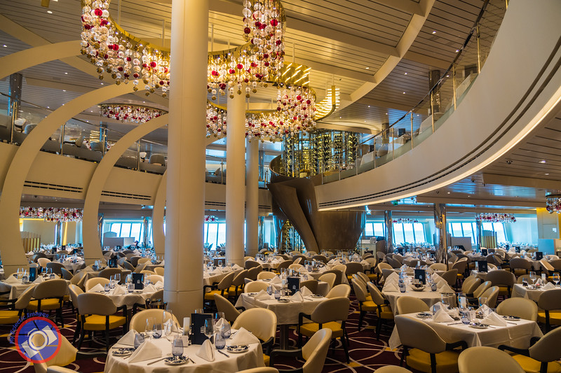 Main Dining Room Aboard Holland America's Neuiw Statendam (©simon@myeclecticimages.com)