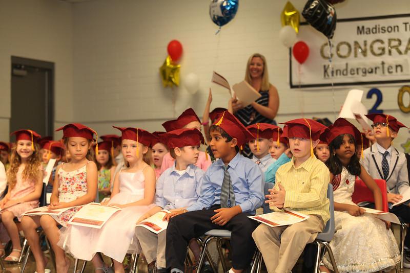 2012May18_MTA Kinder Grad_9765.JPG