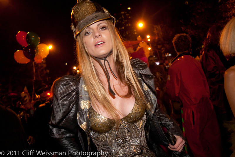 NYC_Halloween_Parade_2011-6623.jpg
