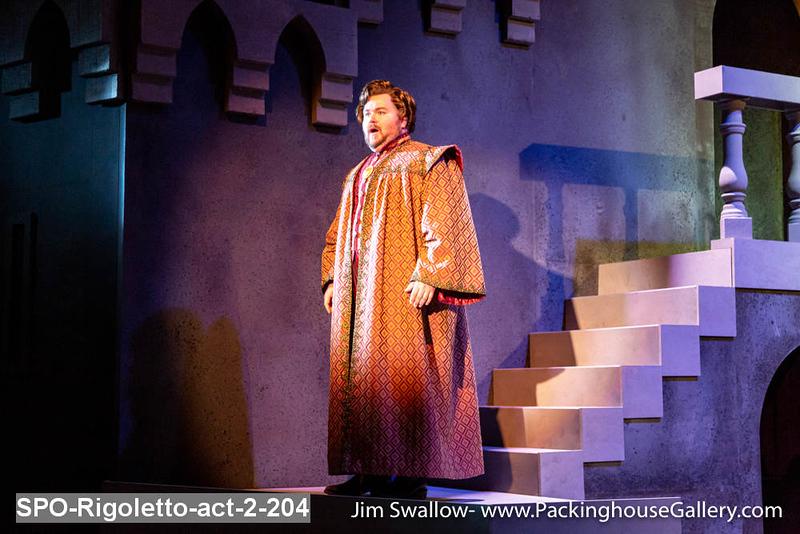 SPO-Rigoletto-act-2-204.jpg