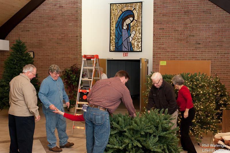 20121217 KofC Christmas Tree Setup-6296.jpg