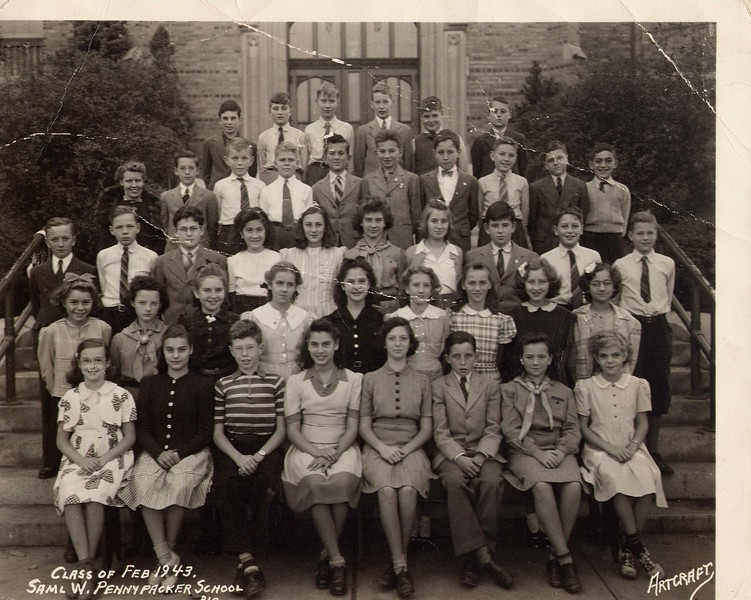 omi school photo 1943.jpg