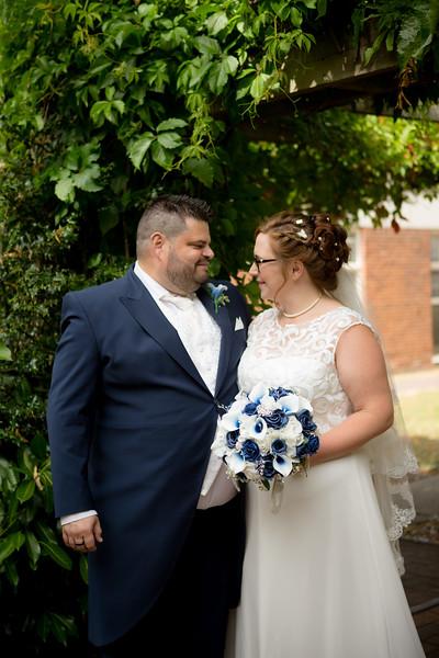 Mr and Mrs Lee-188.jpg