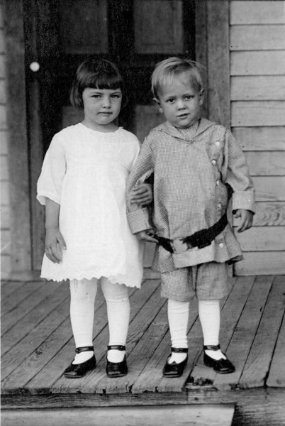Jessie Mae and Thomas Howell, Forney Texas circa 1916
