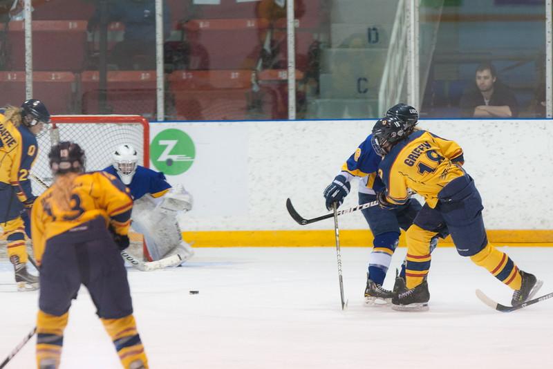 20130310 QWHockeyvsUBC 690.jpg