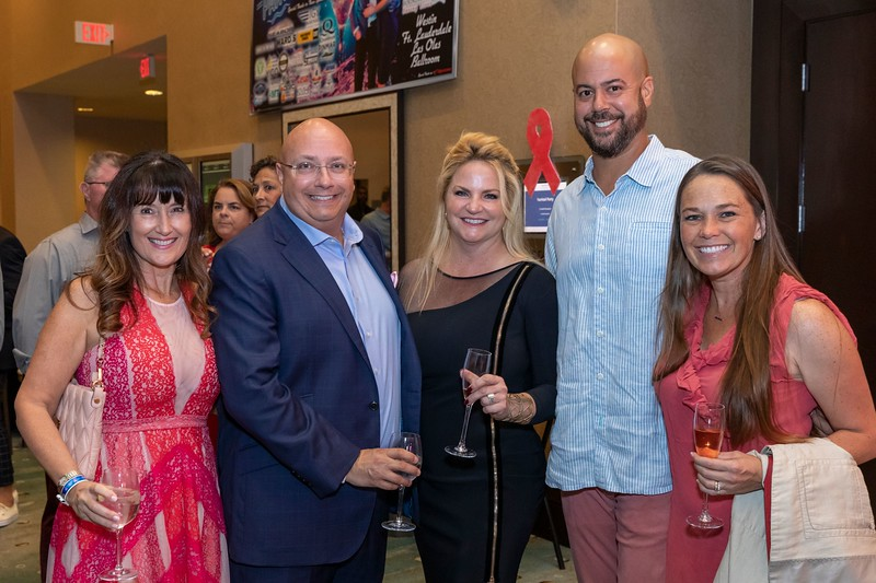 2019_11_Yachtail_Party_00105.jpg