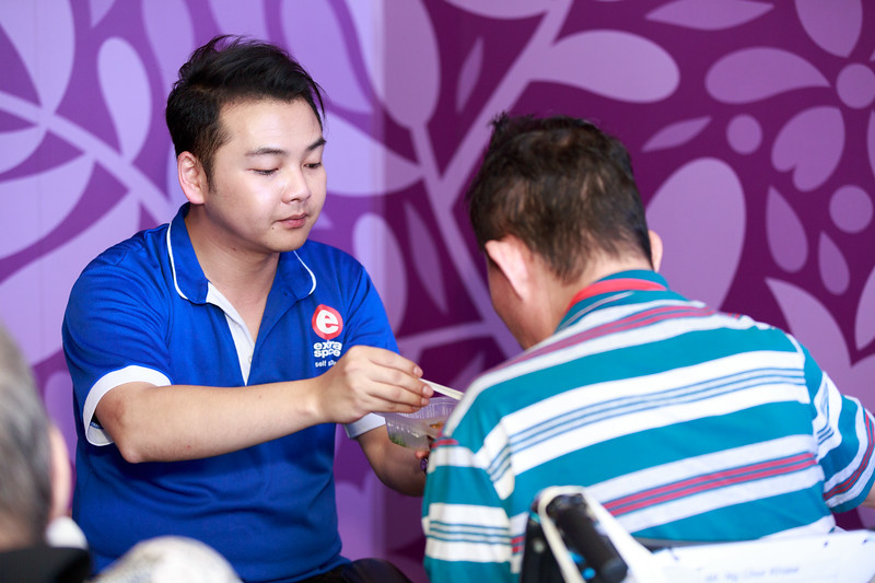 VividSnaps-Extra-Space-Volunteer-Session-with-the-Elderly-112.jpg