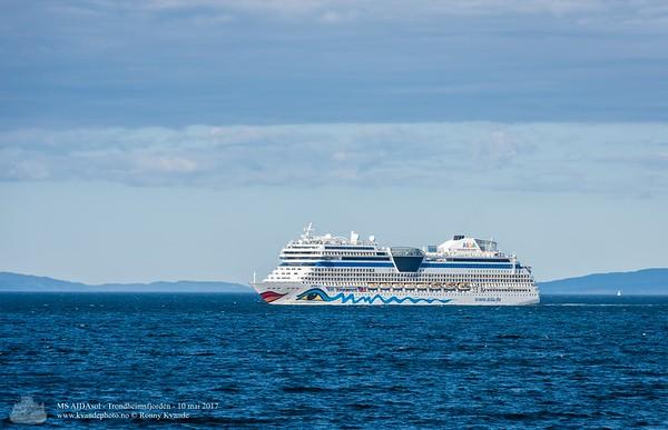 Cruiseships
