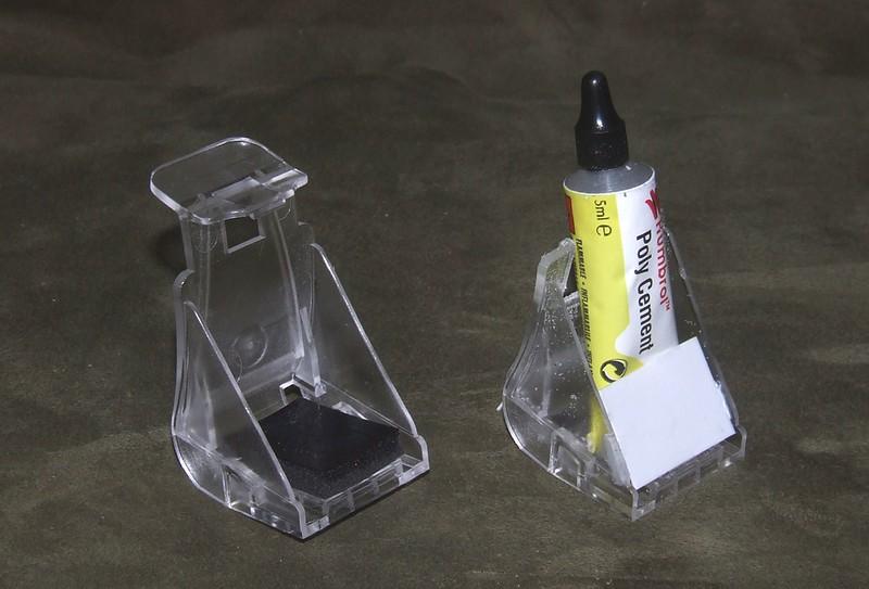 Tube glue stand, 01s.jpg
