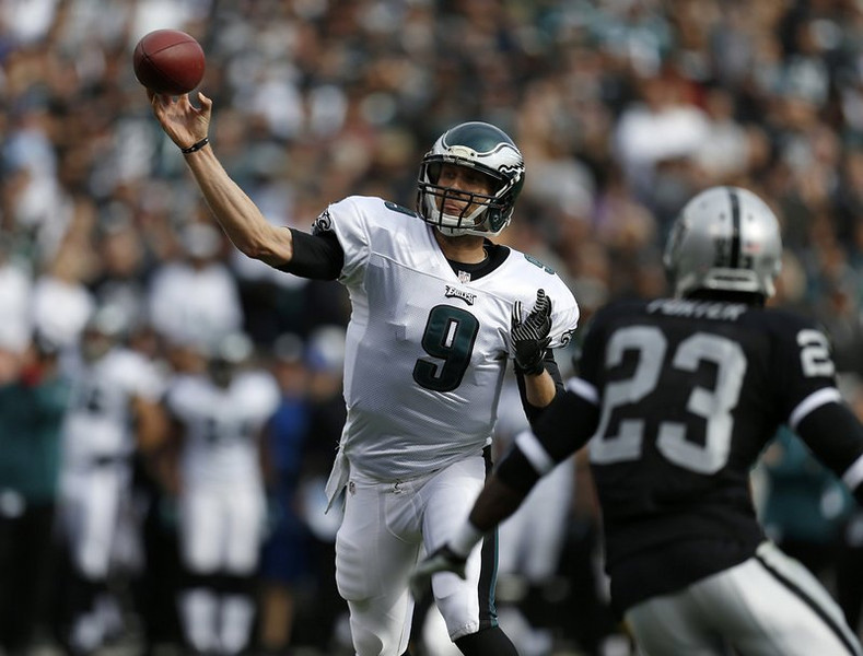 . <p><b> Eagles at Packers (-2):</b> <p>Philadelphia quarterback Nick Foles tied an NFL record on Sunday by throwing seven touchdown passes against Oakland. To put that number in perspective, it would take the Packers� Seneca Wallace several lifetimes to match that total. <p>Pick: <b>Eagles by 3</b> <p>    (Nhat V. Meyer/Bay Area News Group/MCT)