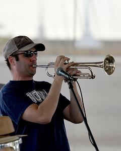 Launica Band