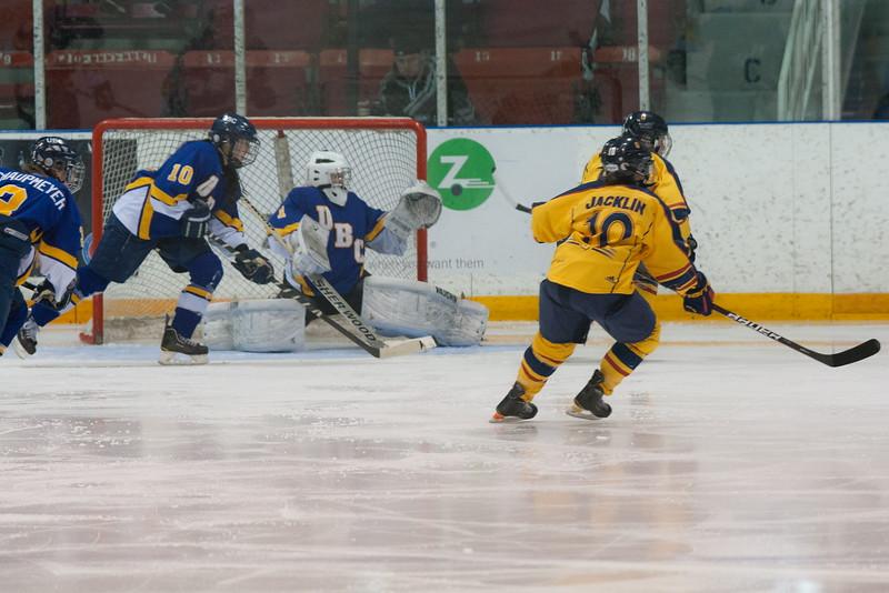 20130310 QWHockeyvsUBC 547.jpg