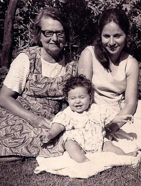 Nonna, moi et Maggie, 1972.