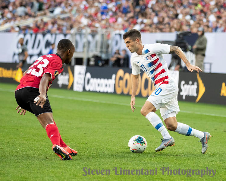 Christian Pulisic #10, Leston Paul #23
