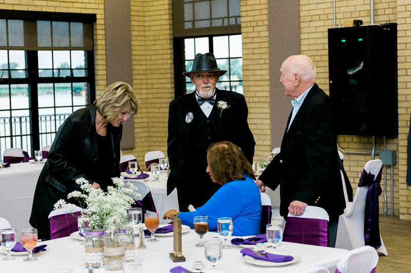 chateau-on-the-river-trenton-michigan-wedding-0209.jpg