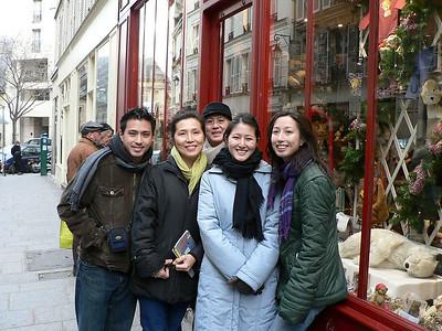 (2005-12-30) Christmas in Paris