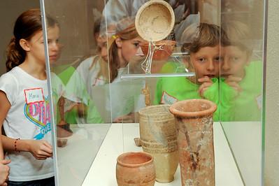 Art_Pottery Kids Gallery Talk