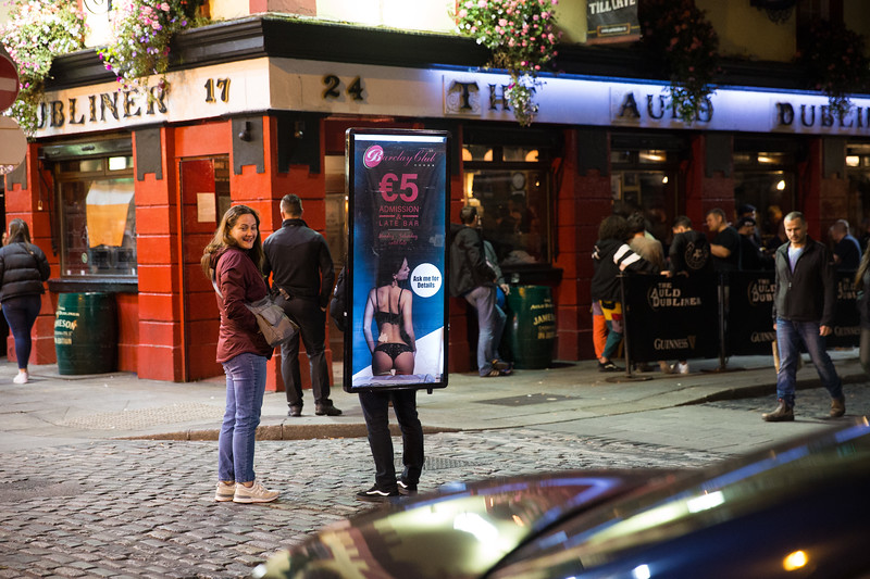 Street scene in temple bar, Dublin, Ireland.