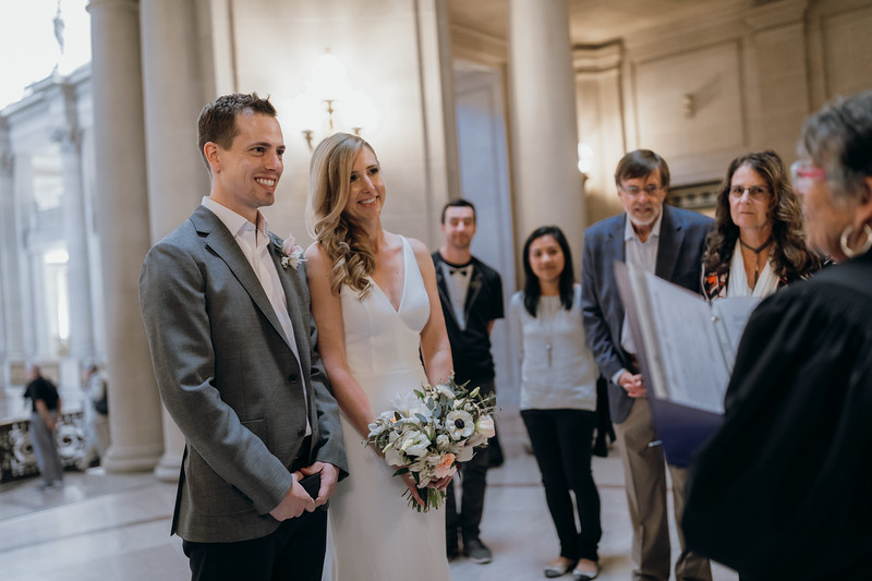 2018-10-04_ROEDER_EdMeredith_SFcityhall_Wedding_CARD1_0189.jpg