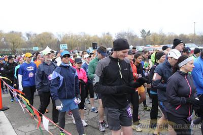Half-Marathon Start - 2013 Martian Invasion of Races
