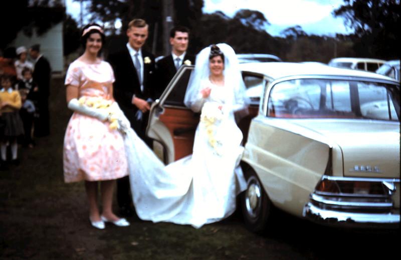 1961-8-19 (34) Elaine, Graham, Nigel, & Mary.JPG