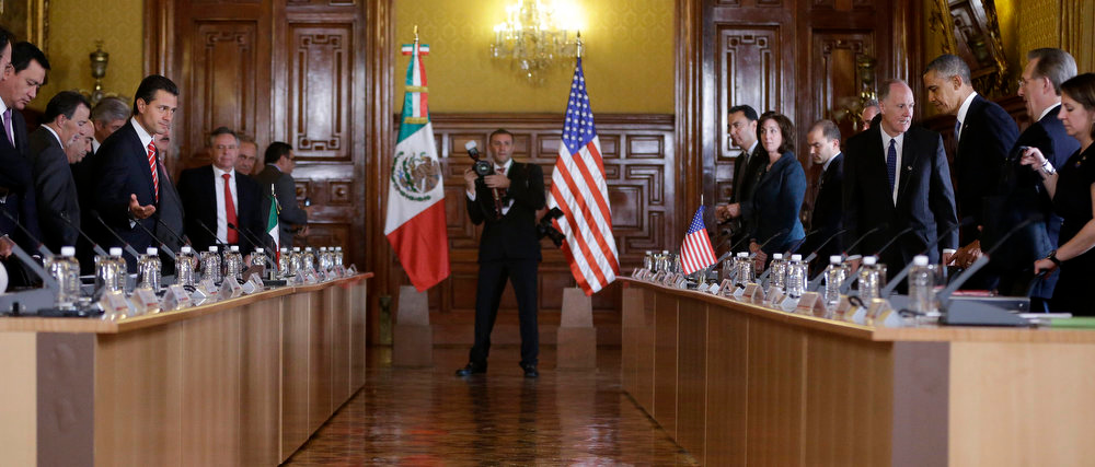 . President Barack Obama, right, and Mexico\'s President Enrique Pena Nieto, left, takes the seats before their bilateral meeting at the Palacio Nacional Salon de Recepciones in Mexico City, Thursday, May 2, 2013. (AP Photo/Pablo Martinez Monsivais)