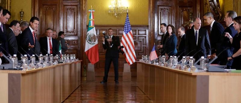 . President Barack Obama, right, and Mexico\'s President Enrique Pena Nieto, left, takes the seats before their bilateral meeting at the Palacio Nacional Salon de Recepciones in Mexico City, Thursday, May 2, 2013. (AP Photo/Pablo Martinez Monsivais)