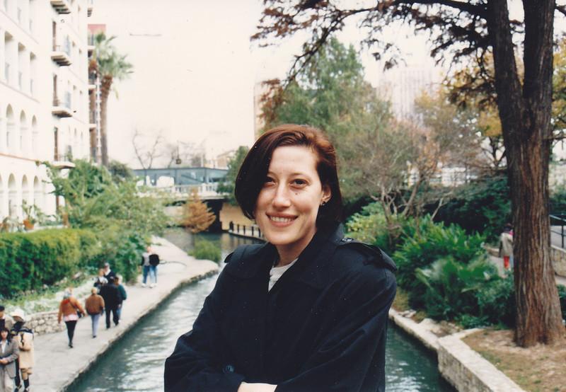 1993__0027.jpg
