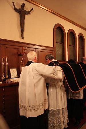 Requiem High Mass celebrated by Fr. Jeffrey Keyes