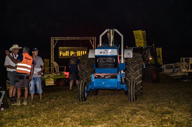 Tractor Pulling 2015-01815.jpg