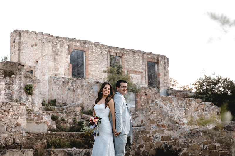 P&H Trash the Dress (Mineral de Pozos, Guanajuato )-69.jpg