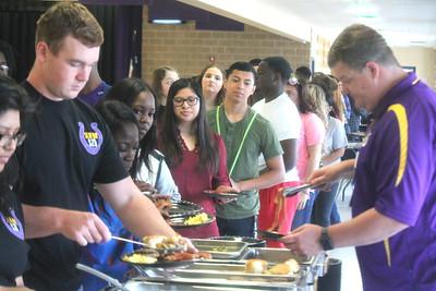 Center High School hosts senior breakfast, yearbook distribution & signing event