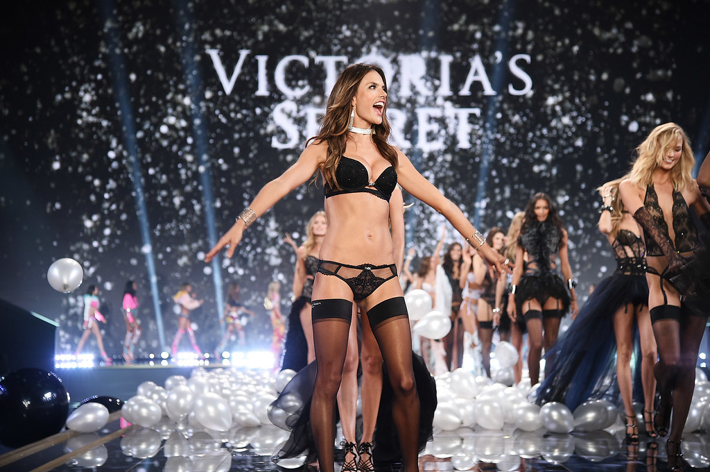 . Victoria\'s Secret model Alessandra Ambrosio walks the runway during the 2014 Victoria\'s Secret Fashion Show at Earl\'s Court exhibition centre on December 2, 2014 in London, England.  (Photo by Dimitrios Kambouris/Getty Images for Victoria\'s Secret)