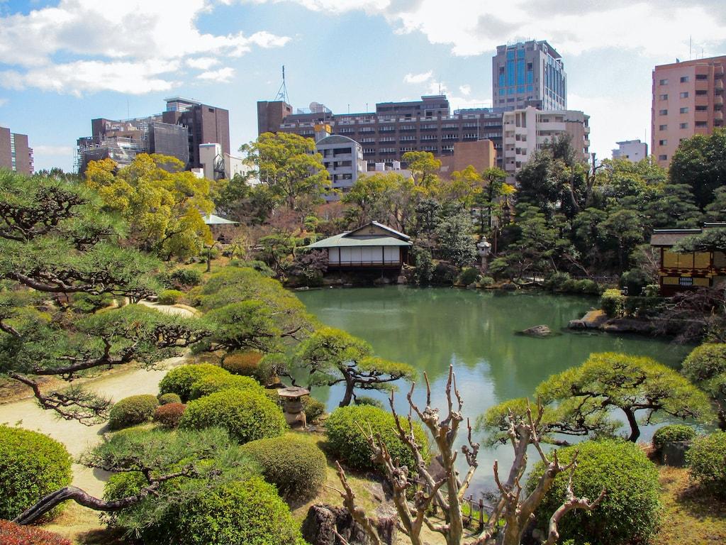 The main strolling pond in Sorakuen Garden